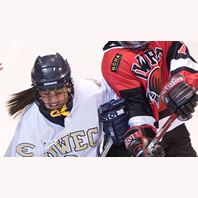 Women's Hockey Ends Season at River Falls
